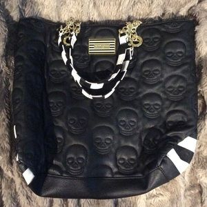 Betsy Johnson skull bag/purse. Like new